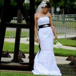 David's Bridal Wedding Gown  (Style # KP-3135)